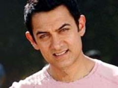 Aamir throws a bash to celebrate 'DK Bose' success