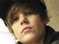 Bieber to create fragrance for women