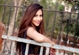Rishina Kandhari: I can play anything from tough cop to sexy siren