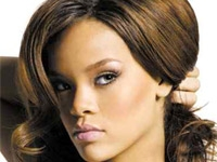 Being single is not cool : Rihanna