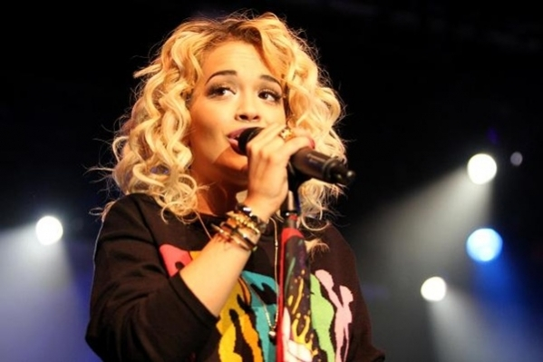 Rita Ora desperate to reconcile with Calvin Harris