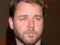 Crowe to play Superman's dad