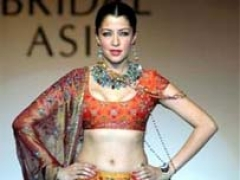 Mughal, Bengali touches in bridal collections