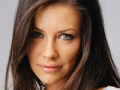 Evangelina Lilly is a mom