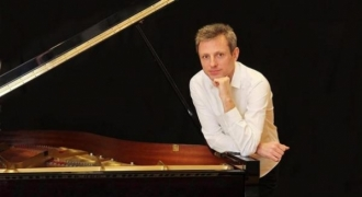 Maxime Zecchini: A French marvel in left-hand piano repertoire