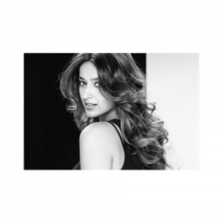 Ileana D'Cruz professes self love