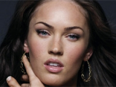 Megan Fox makes Broadway debut
