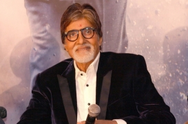 No make-up for the Big B, others in 'Yudh'