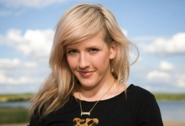 Ellie Goulding 'petrified' of cosmetic surgery