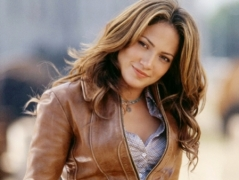 JLo: Not ready to walk even 30 feet without security