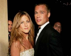 Jennifer Aniston, Brad Pitt get flirty during virtual reunion