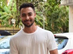 Aayush Sharma's quarantine task is to make his daughter smile