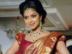 Sabyasachi, Anita to design Amala Paul's wedding outfits