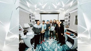 Backstreet Boys treat fans with living room gig amidst self-isolation