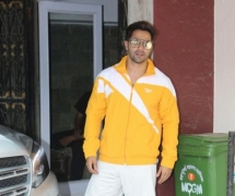 COVID-19: Varun Dhawan provides meals to doctors, healthcare staff