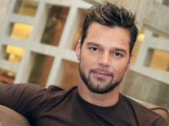 Armani to design for Ricky Martin