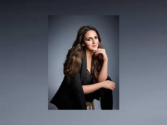 Esha Deol offers a quirky lockdown-special fashion tip