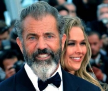 Mel Gibson denies Winona Ryder's charge that he made homophobic and anti-semitic quips