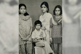 Kiccha Sudeep misses days of vintage family pictures amidst selfies