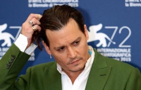 Johnny Depp wants $50mn trial deferred as it clashes with 'Fantastic Beasts 3' shoot