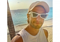Ranveer Singh shares 'I miss being outdoors' selfie