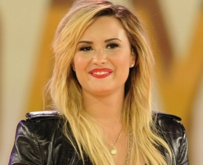 Demi Lovato remembers her late father