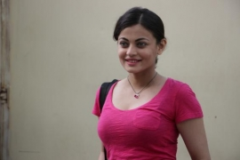 Sneha Ullal: Intimate scenes get difficult for me sometimes