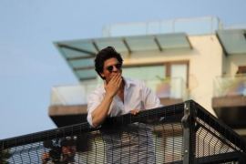 SRK's Eid tip: 'Give yourself a self-hug'