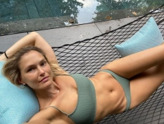Supermodel Bar Refaeli sentenced to 9 months of community service for tax evasion