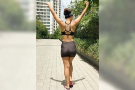 Hina Khan works out in style